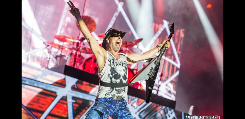 Scorpions выпустили live video «Rock You Like A Hurricane»
