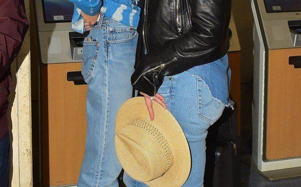 Синди Кроуфорд и Кайя Гербер были замечены в международном аэропорту Лос-Анджелеса